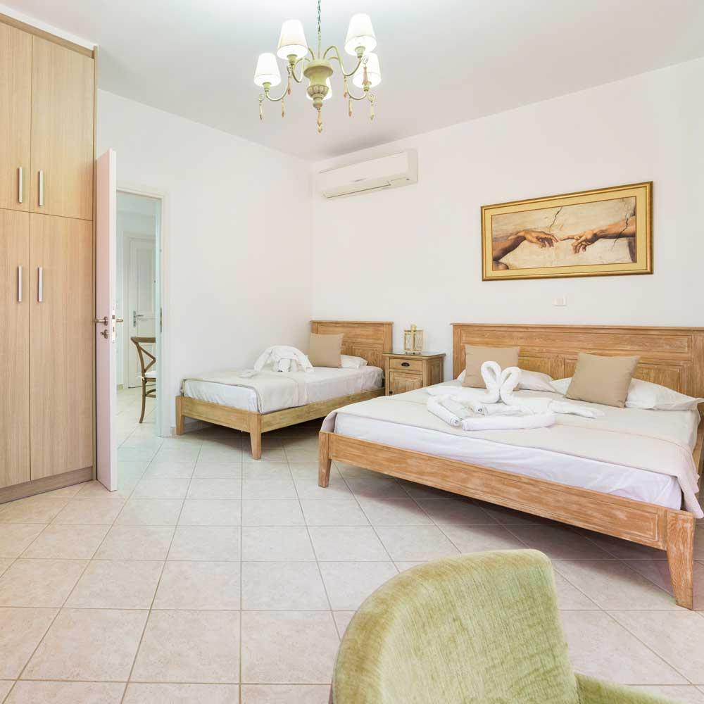 Bedroom- Panos Parikia Apartment
